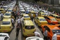Prefeitura espera reação contrária de taxistas, adversários do aplicativo