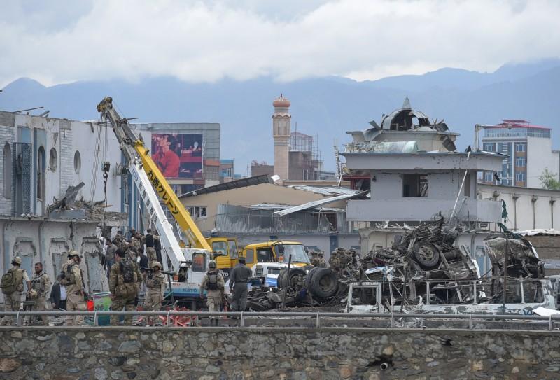 Ataque tinha como alvo um complexo usado pelo serviço secreto afegão
