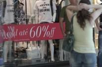 Diante do cenário econômico adverso, brasileiros procuram evitar gastos