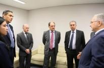 José Ivo Sartori (centro) foi ao STF tratar da liminar que muda os juros usados para pagamento dos débitos