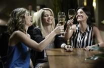 O negócio aborda prostituição e marketing