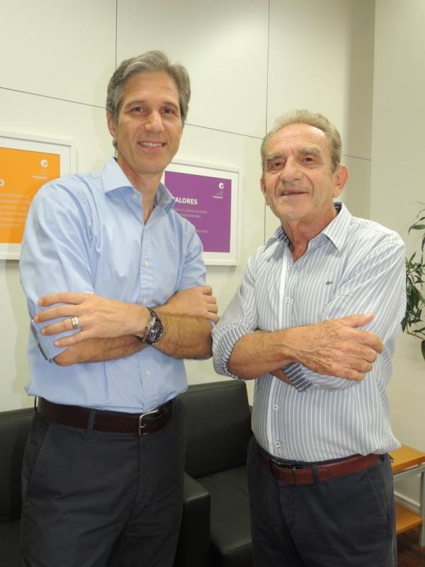 O novo presidente, Hermínio de Freitas, e o anterior, Adalberto Leist