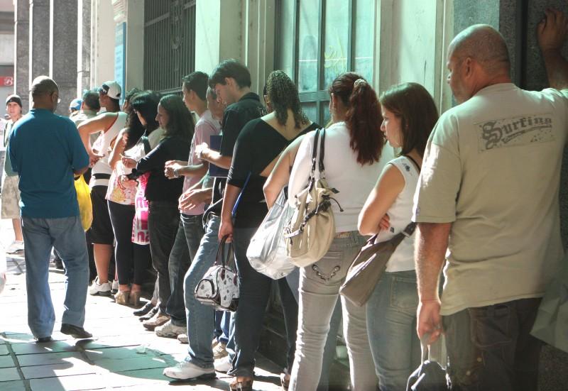 Número de desocupados subiu 40% ante 2015