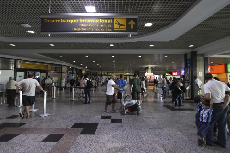 Movimento de retorno do feriadão de carnaval.    Na foto: Movimento foi normal no aeroporto Salgado Filho. Poucos voos de chegada no final do dia.