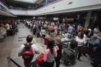 Aéreas poderão ficar livres para cobrar por bagagem extra despachada