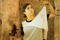 Cantora Dom La Nena vem à Capital com a turnê do novo disco, Soyo