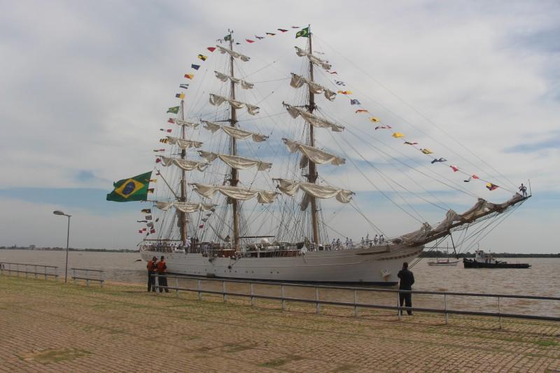 O Cisne Branco foi construído para representar a Marinha do Brasil