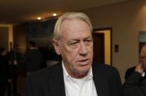 Woodhead defende equilíbrio de deveres e responsabilidades das partes