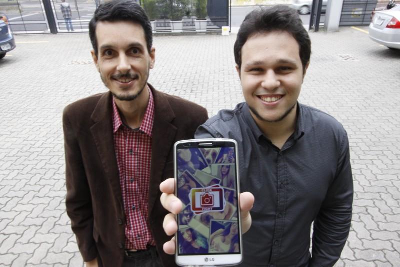 O app Click Fight, de Tarcísio e William, promoverá disputas em forma de game com fotos