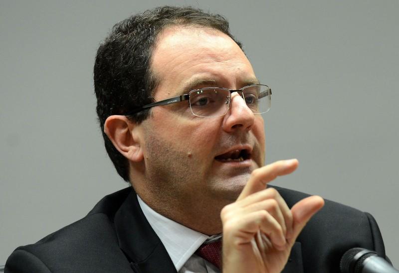 Barbosa afirma que perdão vai promover um desequilíbrio nas finanças do Brasil