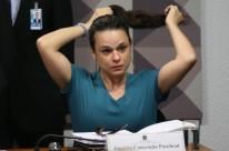Janaína  Paschoal  foi  convidada  para  defender  o  pedido  de  impeachment  na  comissão  especial  do  Senado