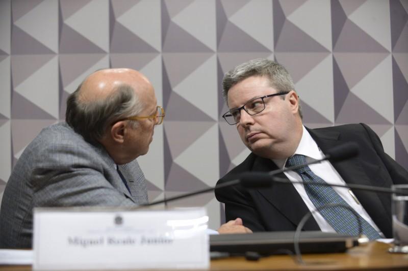 O jurista Miguel Reale Jr. e o senador Antônio Anastasia