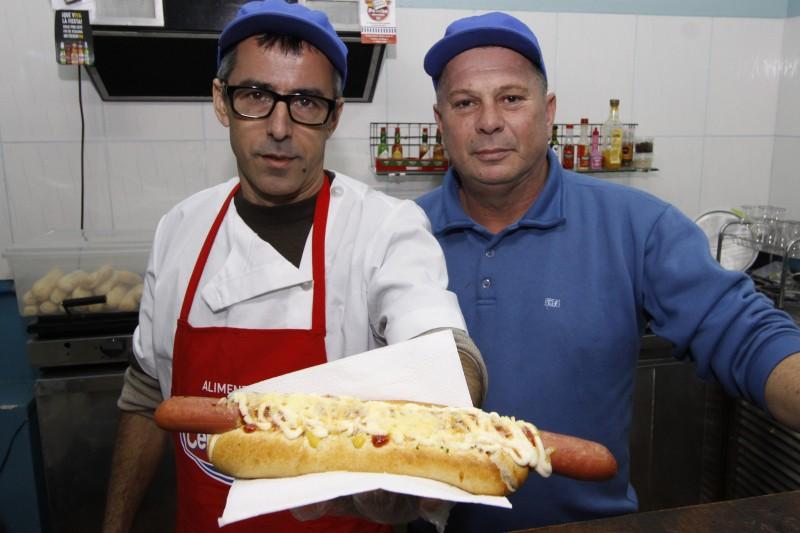 Geração E - Pancho Uruguaio o verdadeiro sabor castelhano    na foto: Jefferson Arnold e João Luis Machado