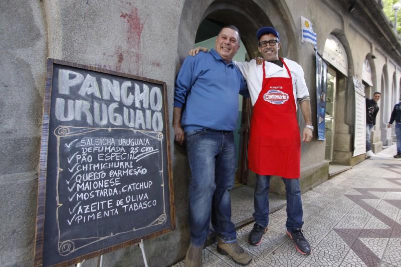 Pancho Uruguaio, no viaduto da Borges, oferece verdadeiro sabor castelhano