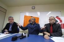 Ascari (centro) disse que a intenção é recuperar os empregos