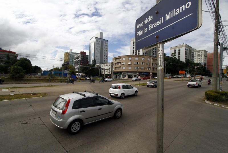 Início dos trabalhos na avenida estava previsto para maio de 2013