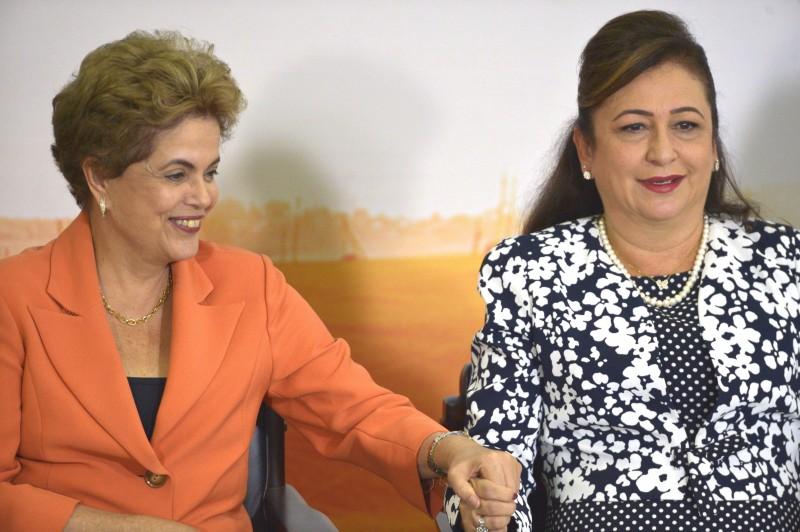 Dilma Rousseff e Kátia Abreu anunciaram as novidades do programa