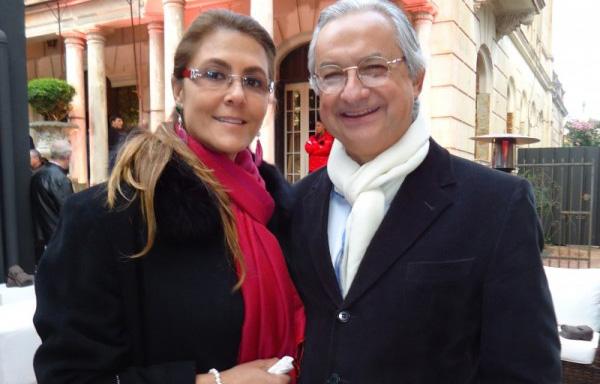 Andrea Loureiro e Antonio Ulrich na recepção aos convidados