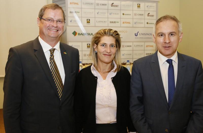 Everson Oppermann, Selina Stihl e Markus Blumenschein no encontro na Câmara Brasil-Alemanha