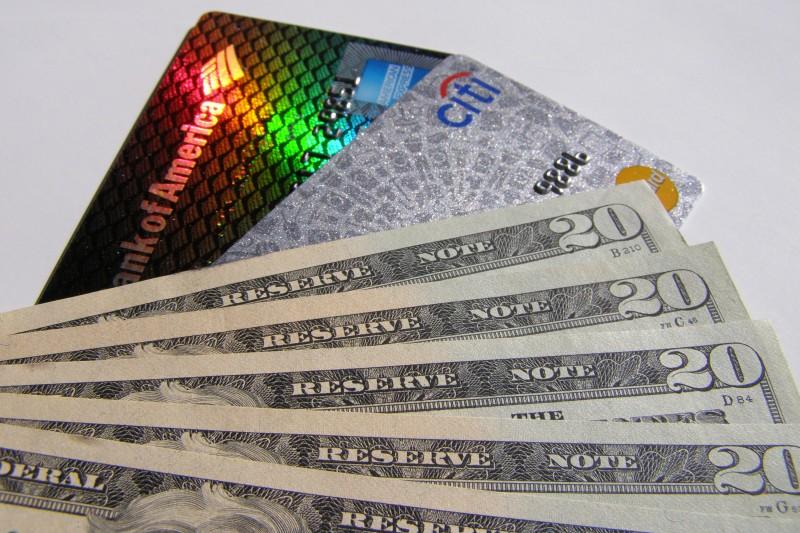 Receita Federal anunciou a elevação de 0,38% para 1,1% da alíquota para a compra de moeda estrangeira
