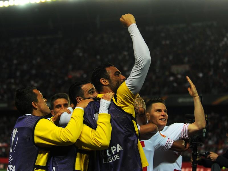 Jogadores comemoram vaga na final da Liga Europa