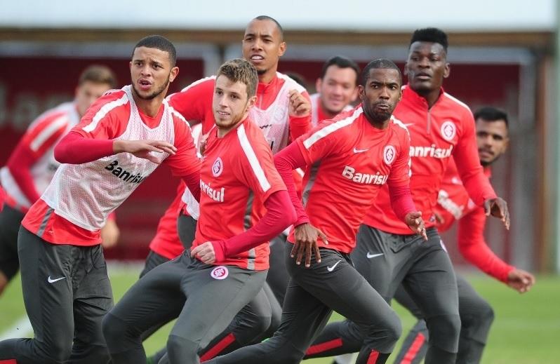 Aylon substitui Vitinho na decisão contra o Juventude