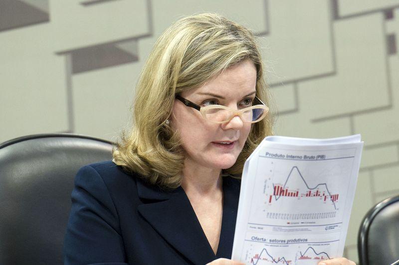 Acusações são por corrupção passiva e lavagem de dinheiro na campanha de Gleisi ao Senado em 2010