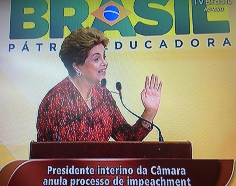 Dilma Rousseff comenta impacto da decisão da Câmara durante cerimônia no Planalto