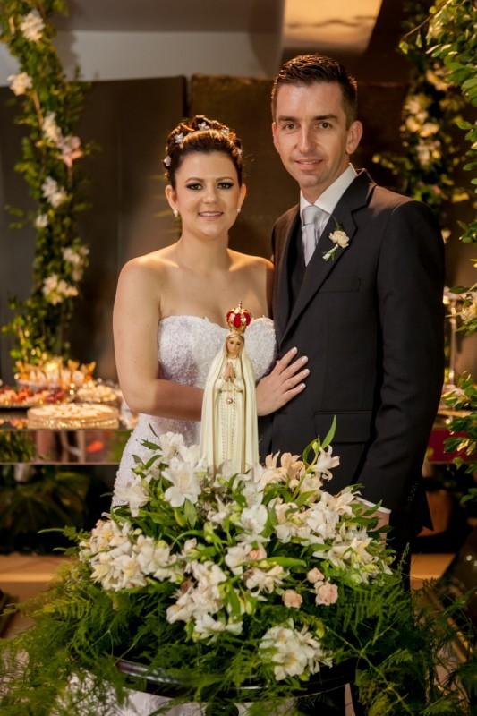 FOTOLegenda 5: Mariana Brock e Fabrício Belotto brindaram seu casamento na Sociedade Recreio Gramadense