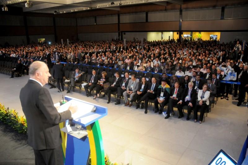 Na abertura, Ziulkoski criticou excesso de atribuições dos municípios