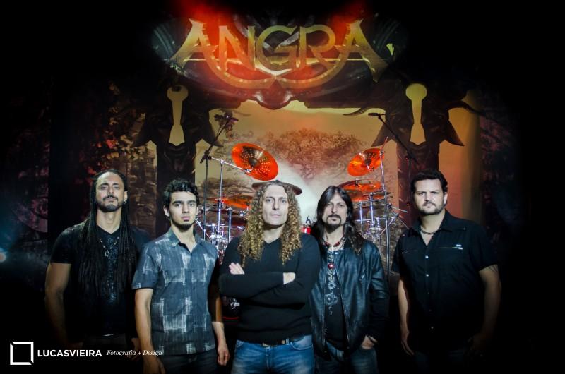 Banda Angra se apresenta no Opinião na noite deste domingo