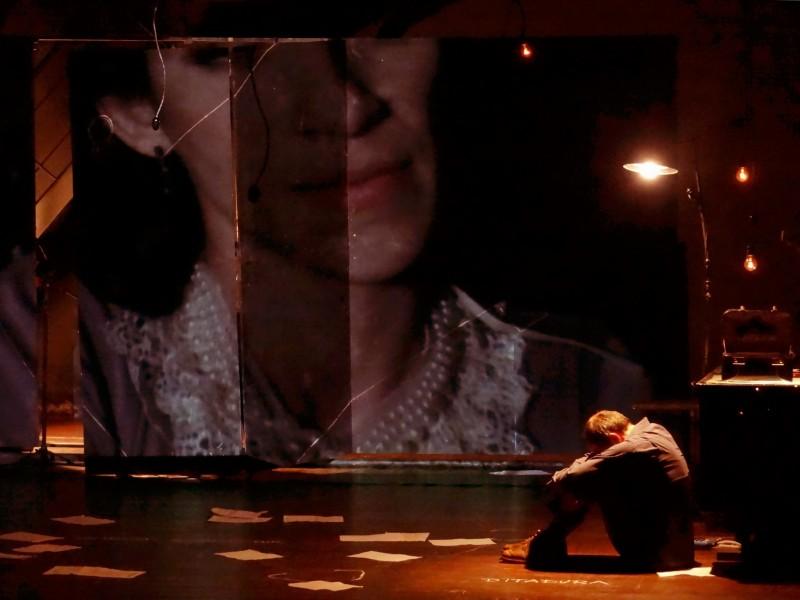 No Palco Giratório, peça Jacy traça paralelos  entre a história de uma senhora e da capital potiguar