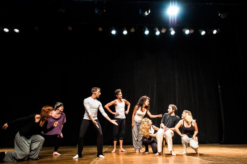 Com direção de Néstor Monasterio, peça conta a história de uma companhia de teatro em processo de ensaios