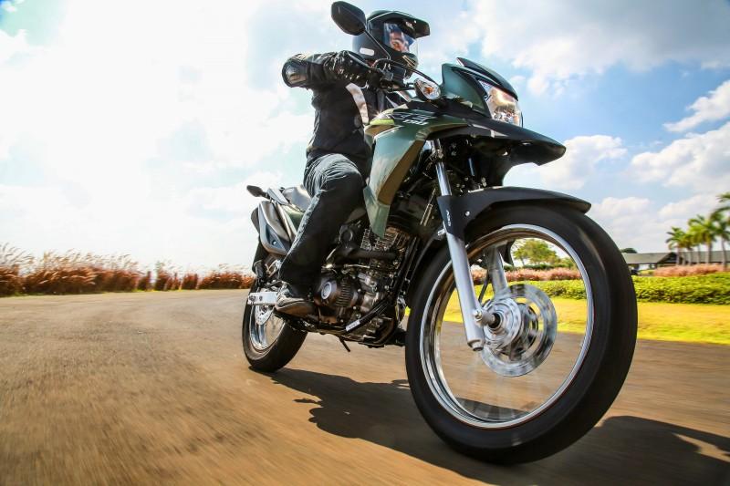 Dotada de freios ABS de série, ela sai por R$ 13.300,00, preço que não inclui despesas com frete e seguro
