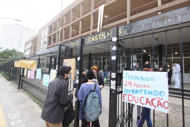 Alunos do Julinho são solidários às reivindicações dos professores