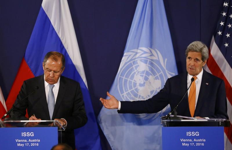 Situação de Assad é o tema central dos debates entre Lavrov e Kerry