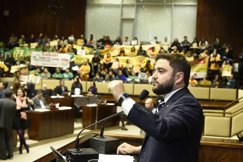 Gabriel Souza surpreendeu ao anunciar o apoio do PMDB à medida