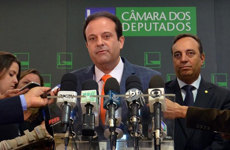 Moura foi bancado por Cunha