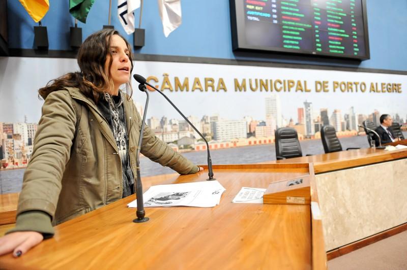 Para Fernanda, projeto é início de discussão sobre constituição familiar