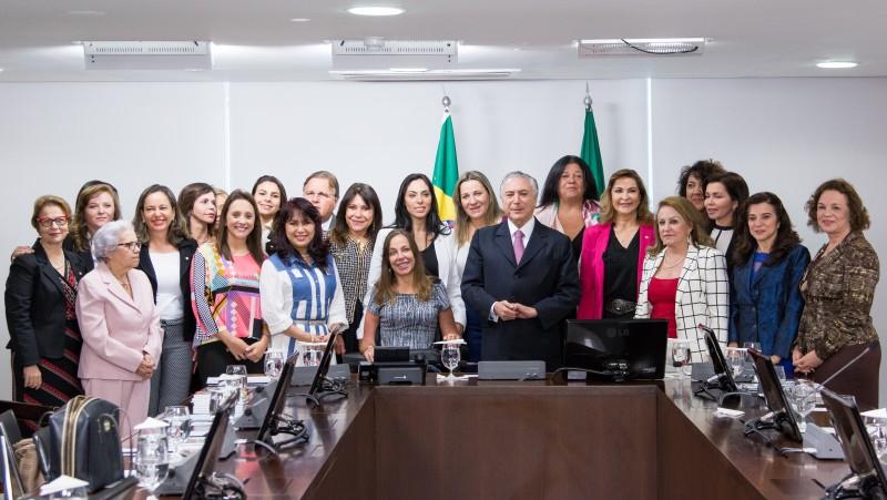 Michel Temer recebeu bancada feminina em seu gabinete no Palácio do Planalto