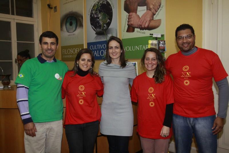 Na foto: Laerte Cardoso, Tatiana Ávila, Flora Detanico, Gabriela Meyer e Marcelo Ferreira