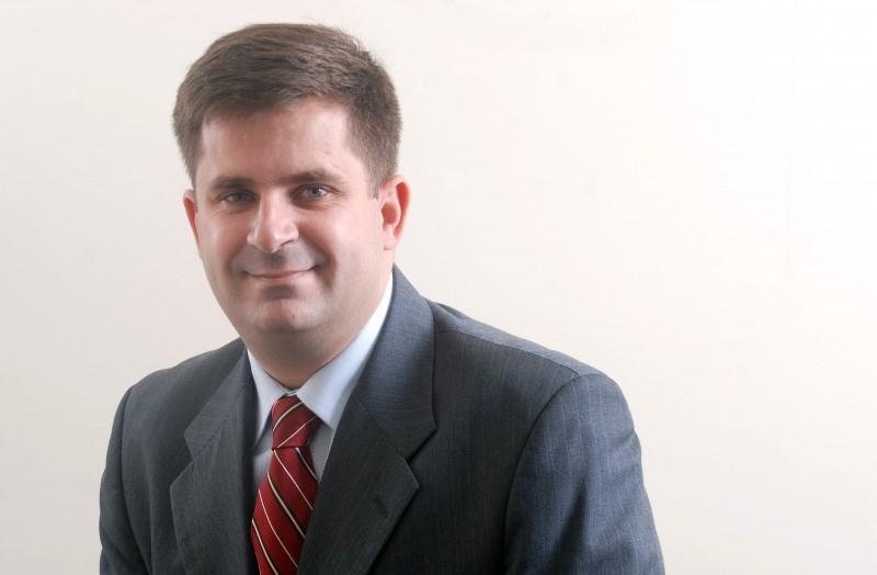 Marcus Granadeiro é engenheiro civil formado pela Escola Politécnica da USP, presidente da Construtivo.com