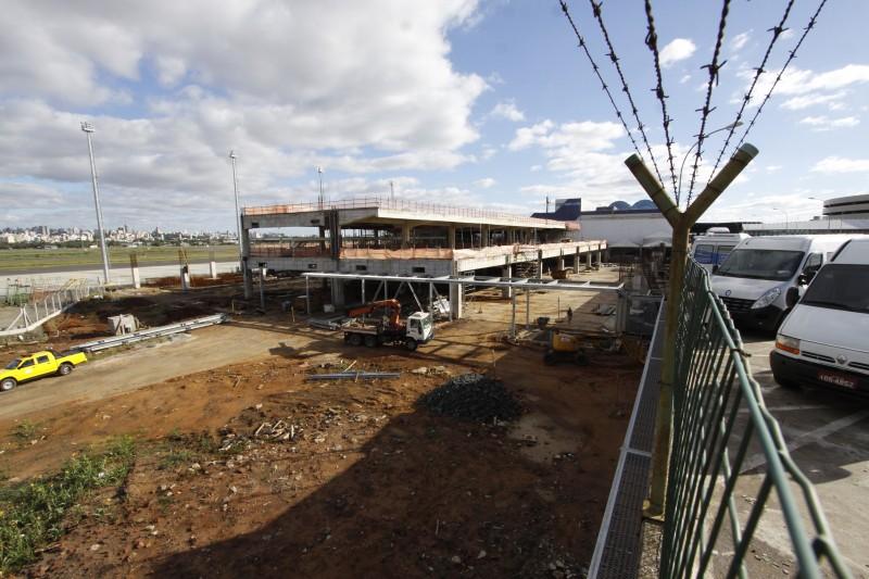 Ampliações e melhorias no terminal andam a passos lentos à espera do leilão para concessão