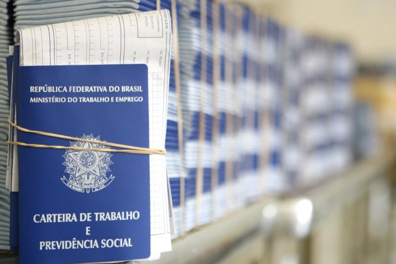 DELEGACIA DO TRABALHO VAMOS OUVIR O PÚBLICO A RESPEITO DE ATRASOS NA CONFECÇÃO DA CARTEIRA DE TRABALHO. NA FOTO  CARTEIRAS  DE TRABALHO E PREVIDÊNCIA SOCIAL - CTPS
