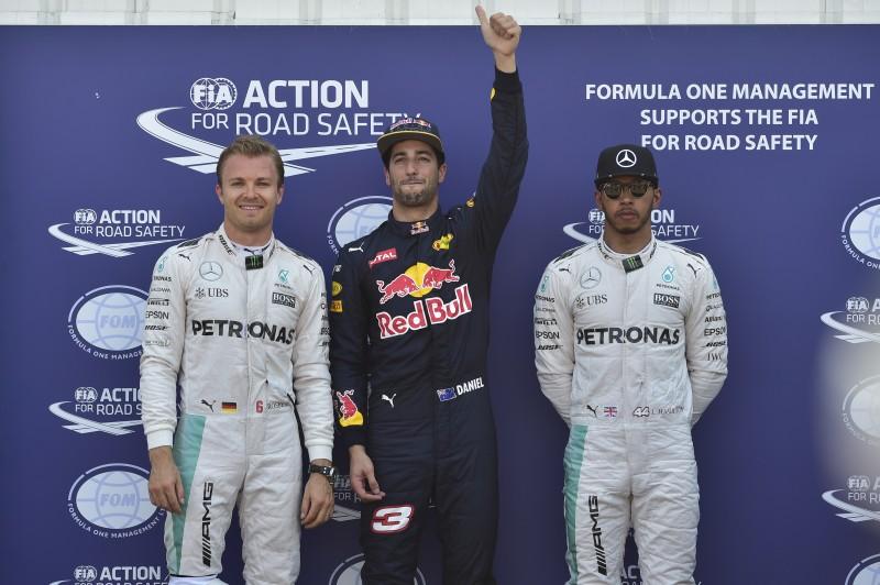 Australiano deixou as Mercedes para trás e fez a pole position do GP de Mônaco