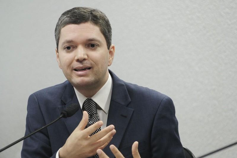 Fabiano Silveira foi pressionado a sair por funcionários da pasta