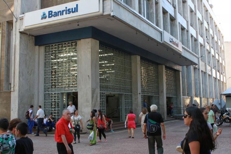 Venda de parte das ações do Banrisul alivia o caixa, mas não resolve problemas financeiros do governo