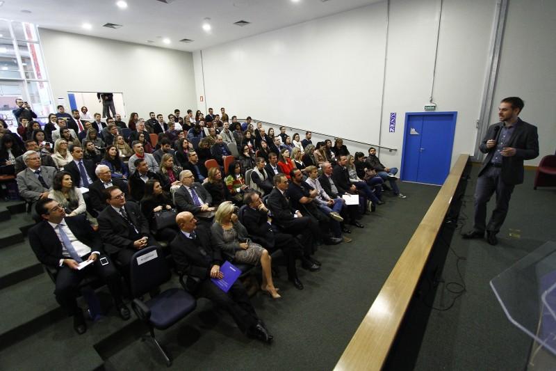Evento contou com palestra Tiago Grandi (foto), Clenir Wengenowicz, Nelson Eggers, Matheus Tait Lima e Ricardo Felizzola