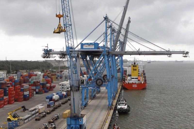 Empresas reclamam da cobrança indevida de taxa pelo Terminal sobre cargas que chegam via importação