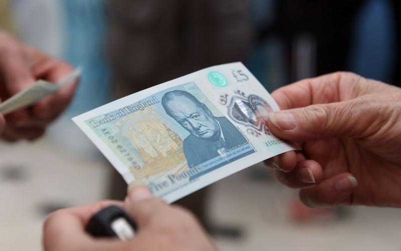 Nova cédula de cinco libras estampa a figura de Winston Churchill